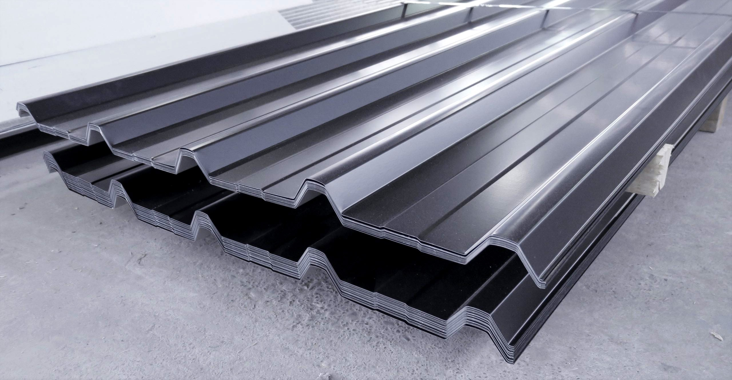 Roofdeck square-look roofing profile